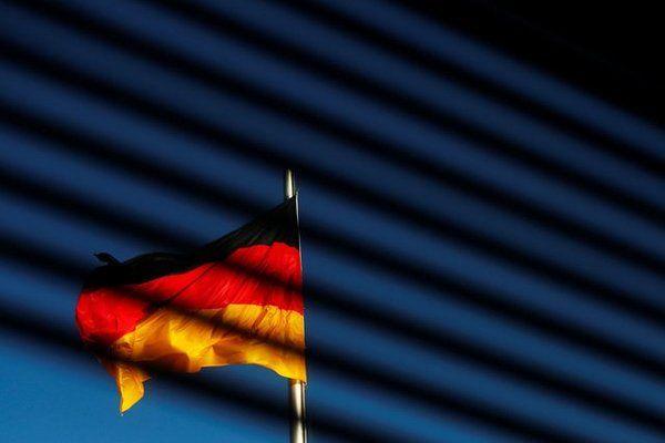 ألمانيا تدفع 800,000 أورو للاستمرار في استخدام ويندوز 7