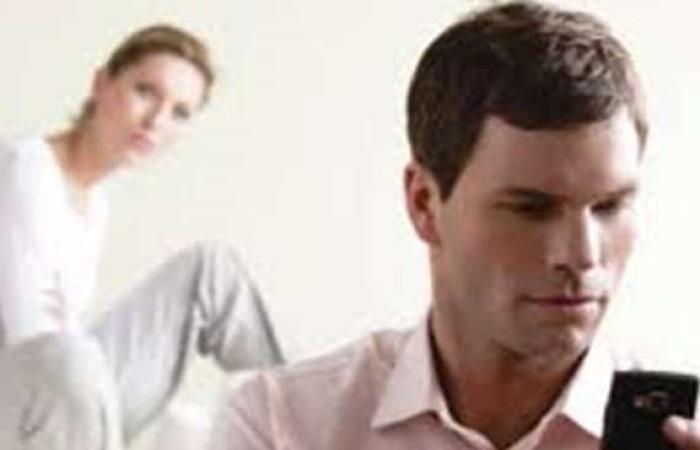 ترفيهيى : أشك في علاقة زوجتى بأحدهم !