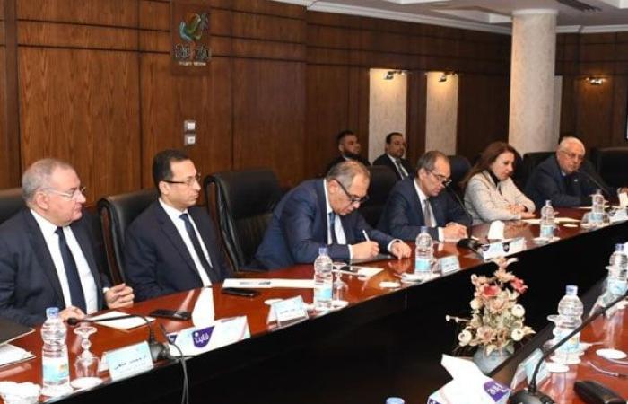 تكنولوجيا : رسميًا وزارة التخطيط تُسلم وزارة الاتصالات مشروعات التحول الرقمي وميكنة الخدمات الحكومية