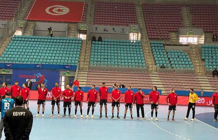 رياضة : مصر تكتسح كينيا وتقترب من التأهل لربع نهائي البطولة الأفريقية لليد