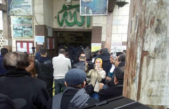 ثقافة وفن : المئات يؤدون صلاة الجنازة على جثمان الفنانة الراحلة ماجدة الصباحي