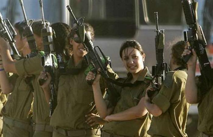 أخبار العالم : إسرائيل تنشر طواقم دبابات نسائية على حدود مصر