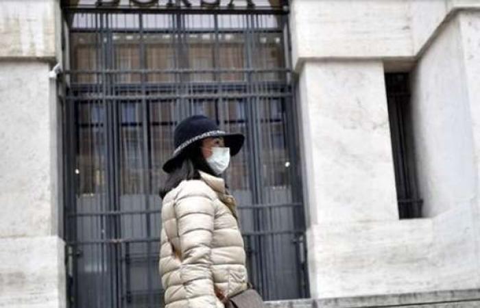 """أخبار العالم : إصابة 322 شخصًا.. """"كورونا"""" يثير الرعب بإيطاليا"""