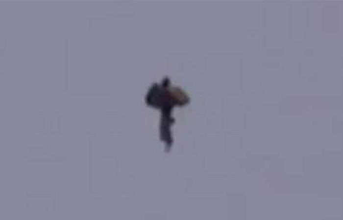مقالات : فيديو.. كائن غامض يظهر في سماء أمريكا