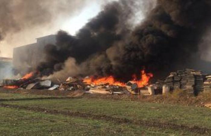 حوادث : حريق هائل بمخازن مصنع شركة أدوات صحية بالعاشر من رمضان
