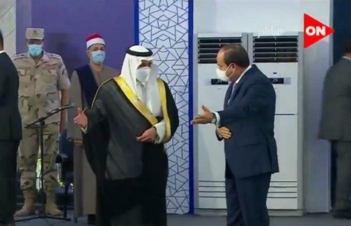 """أخبار العالم : شاهد.. """"السيسي"""" يستقبل أمير تبوك في حفل افتتاح جامعة الملك سلمان بشرم الشيخ"""