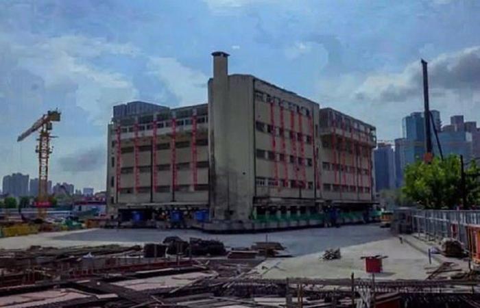 أخبار العالم : بالفيديو.. بناية تحرّكت 62 متراً في 18 يوماً